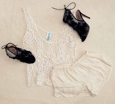 Crochet lace x sequins. The fabrics complement each other surprisingly well.