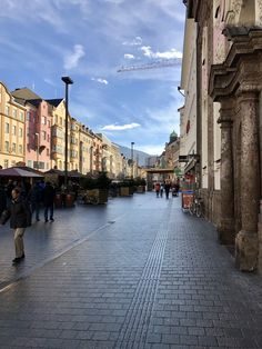 Innsbruck Old Town Christmas Market ✈️ 👫 Travel With Kids, Family Travel, Ski Europe, Pack Your Bags, Innsbruck, Old Town, Skiing, Travel Tips, Germany