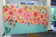 wedding paper flowers wall... - http://centophobe.com/wedding-paper-flowers-wall/ -