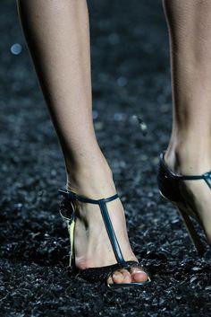 Mary Katrantzou Spring 2015 Ready-to-Wear - Details - Gallery - Look 1 - Style.com