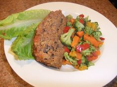 Meatloaf (breadcrumbs replaced with old-fashioned oats)    Ingredients  1 1/2 lbs. lean ground beef, or use ground turkey  3/4 c. Quaker oats  2 egg whites beaten  3 tbsp. grated Parmesan cheese  1 c. salsa or tomato sauce  salt and pepper