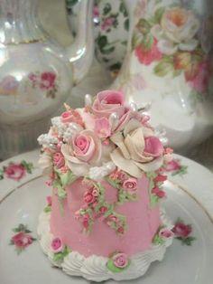 (Roses Of Joy) Fake Cake