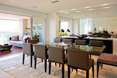 Salas de estar moderna por Alice Martins Flávio Butti em São Paulo, confira todo o projeto!