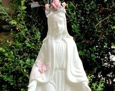 $69 Mother Mary QUEEN of ANGELS PINK Roses French Victorian Chic Our lady of Grace and Miracles Statue Rose Metal Crown Tiara Blessed Virgin