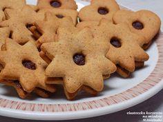 ciasteczka korzenne na miodzie Santa Cookies, Dessert Drinks, Cannoli, Deviled Eggs, Truffles, Food And Drink, Bread, Baking, Recipes