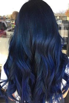 Dark blue hair is the latest hair color trend that is set to be big in Choose from a deep blue-black to luxurious navy blue hair & to metallic steel blue. Hair Color Blue, Cool Hair Color, Blue Brown Hair, Blue Tips Hair, Blue Hair For Men, Brown Hair With Blue, Smokey Blue Hair, Blue Hair Highlights, Blue Hair Balayage