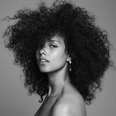 Big sis. @aliciakeys • I couldn't be more in awe of your TRUE and HONEST beauty. Thank you for letting us see you. Thank you for really being here.  #AliciaIsHere • check out this beautifully raw album from this queen now! • link in bio.