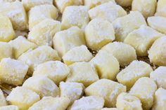 Gnocchi di patate senza glutine Gluten-free potato gnocchi are a perfect basic preparation for celiacs too. Here is the recipe and some useful tips Gluten Free Brownies, Gluten Free Snacks, Gluten Free Cakes, Gluten Free Baking, Vegan Gluten Free, Gluten Free Recipes, Dairy Free, Gluten Free Gnocchi, Gluten Free Thanksgiving
