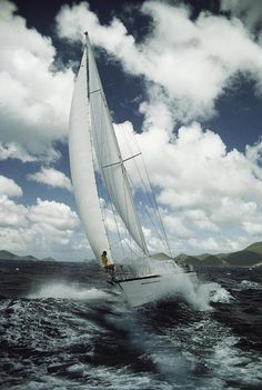 Segel Tattoo, Rough Seas, Yacht Boat, Sail Away, Set Sail, Boat Plans, Tall Ships, Catamaran, Water Crafts