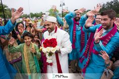 Indian groom's baraat. Ideas and inspiration. Groom's grand entrance. Indian Wedding photography by www.MnMfoto.com