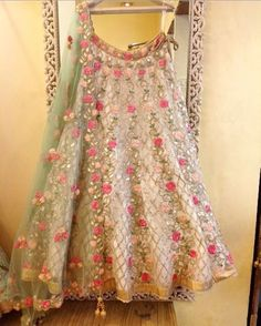 All Ethnic Customization with Hand Embroidery & beautiful Zardosi Art by Expert & Experienced Artist That reflect in Blouse , Lehenga & Sarees Designer creativity that will sunshine You & your Party Worldwide Delivery. Indian Wedding Outfits, Indian Outfits, Lehenga Style, Floral Lehenga, Lehnga Dress, Indian Bridal Lehenga, Bollywood, Lehenga Designs, Indian Designer Outfits