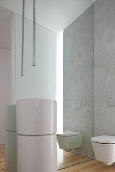 Ya hubo en el blog una propuesta relacionada con baños, MARQ / propuesta / cuadros en baños , y también el tema de los espejos lo traté en...