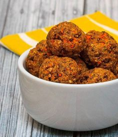 """So for the first post of 2014 I decided to make an easy vegetarian """"meatball"""" recipe with mushrooms and carrots. Vegetable Recipes, Vegetarian Recipes, Healthy Recipes, Healthy Food, Healthy Eating, Whole Food Recipes, Cooking Recipes, Zucchini, Stuffed Mushrooms"""
