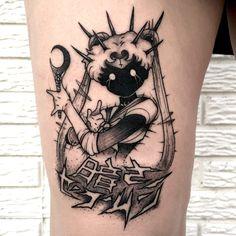 Stab Tattoo, F Tattoo, Tattoo Mond, Wand Tattoo, Book Tattoo, Body Art Tattoos, Tattoo Drawings, Small Tattoos, Tattoos For Guys