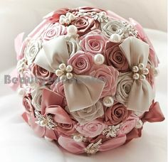 Hey, I found this really awesome Etsy listing at https://www.etsy.com/pt/listing/201813761/graceful-wedding-bouquet-handmade-roses