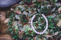 zarter Brautschmuck - rose Armband mit einem Infinity und Rosenquarz ∞ 925 Silber und Rosenquarzperlen - von www.andressa-schmuck.de