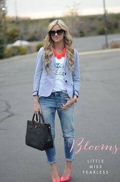 chambray blazer. favorite white tee. skinny cropped denim. black handbag. pink flats.