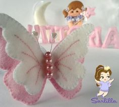This Pin was discovered by Guz Felt Diy, Felt Crafts, Diy And Crafts, Paper Crafts, Butterfly Felt, Butterfly Crafts, Felt Flowers, Fabric Flowers, Diy Y Manualidades