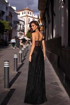 Julianne - White Plunge Neck Mermaid Gown with Slit & Multiway Straps Black Prom Dresses, Formal Dresses, Black Formal Gown, Off Shoulder Gown, Shoulder Sleeve, Gown With Slit, Strapless Gown, Backless Gown, Sequin Gown
