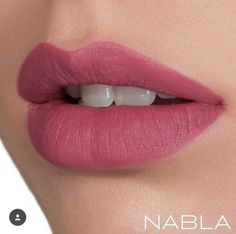 Neve Cosmetics colore: Ombre rose