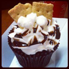 Smores cupcake #smallcakes