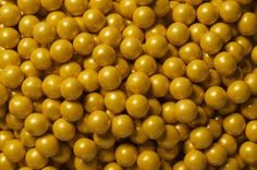 Just found Sixlets Mini Milk Chocolate Balls - Gold: Bag Thanks for the Chocolate Pearls, Chocolate Malt, Chocolate Flavors, Bling Candy Buffet, Gold Candy, Sixlets Candy, Sugar Free Candy, Mini Milk, Royal Baby Showers