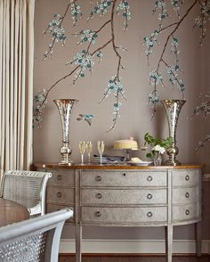 Traditional Interior Design Ideas For A Beautiful Home Chinoiserie Wallpaper, Chinoiserie Chic, Chic Wallpaper, Bedroom Murals, Bedroom Decor, My Room, Interior Design Living Room, House Design, Decoration