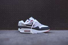 lets hold hands yeah? | Air Max 1 V SP