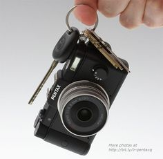 Pentax Q Provides Interchangeable Lenses In A Tiny Package | OhGizmo!