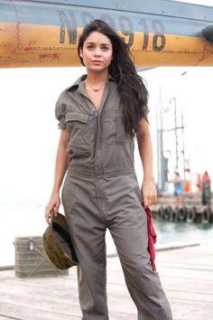 Journey The Mysterious Island, 2012 Island Movies, The Mysterious Island, Vanessa Hudgens Style, Journey 2, Celebrity Look, Celebs, Celebrities, Parachute Pants, Sexy Women