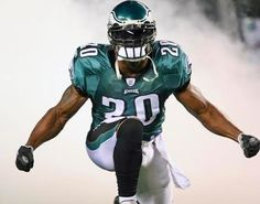 Philadelphia Eagles star safety Brian Dawkins will finish his career at the Denver Broncos. According to reports, Dawkins and the Broncos have agreed to terms on a contract that will be formally . Philadelphia Eagles Football, Philadelphia Sports, Football Team, Football Helmets, Football Things, Go Eagles, Eagles Fans, Fly Eagles Fly, Brian Dawkins