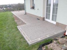 === Zadání Zbudování venkovní terasy.  Plánujeme dlažbu do štěrku. Rozměry viz foto.  Hlavní terasa 4x4,8m, boční chodníček 1,2x5,6m.  U domu kruhové zakončení o průměru cca 2m. Inspirace viz foto. Součástí stavby bude realizace betonových patek pro pergolu na hlavní terase. Předem děkuji za nabídky  === Nabídka dobry den rad vam udelam cenovou nabidku ale potreboval bych se osobne podivat na misto realizace a jeste to s vama podrobneji prokonzultovat  Rusnák