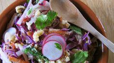 La #ricetta di #dicembre: insalata di cavolo e ravanelli #recipe #cabbage #salad #cavolo #radishes #ravanelli #insalata  #ItalianRecipe #ricette #ricettadelmese #ricettefito