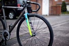 A close look of the DSC Team colour way forks. These ones belong to Rudy Melo, photographed by Angus Sung