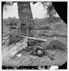 Federal dead were buried, Confederates were left to rot where they fell.