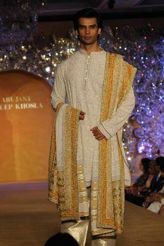 Abu Jani & Sandeep Khosla Present THE GOLDENPEACOCK - Fashion Blog - For All Things Beautiful - The Purple Window