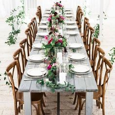 How romantic is this barn reception banquet table and floral runner? We're so in love! Photography: @adrialea   Floral Design: @the_southerntable