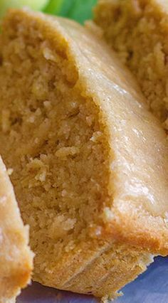 Glazed Apple Cinnamon Oatmeal Bread Recipe( made as muffins without glaze) Just Desserts, Delicious Desserts, Dessert Recipes, Yummy Food, Healthy Food, Apple Desserts, Healthy Recipes, Apple Recipes, Sweet Recipes