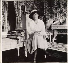 Princess Anastasia was shot along with the rest of the Romanov family in 1919. After her death, 30 women declared themselves to be Princess Anastasia who, by some miracle, was saved from death's clutches. They were all exposed as frauds. / Anastasia in her parents' bedroom. Tsarskoye Selo, Alexandrovsky Palace.