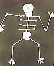 use black playdoh, rolling pins, animal cookie cutters and q-tips to make animal xrays School Fun, Pre School, School Stuff, School Ideas, Letter Activities, Activities For Kids, Alpha Art, Animal Cookie Cutters, Letter Of The Week