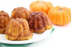 Pumpkin cinnamon breads have been on my mind lately. I made some cinnamon pumpkin bubble buns which I absolutely adored. For another breakfast treat, I made some cinnamon pumpkin monkey breads topped with a rum glaze. Yummy. I baked them in this pumpkin baking pan, hoping that they would look like mini pumpkins, but it's …