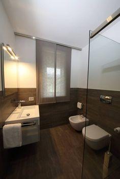 il bagno della camera degli ospiti (di STUDIO PAOLA FAVRETTO SAGL - INTERIOR DESIGNER)
