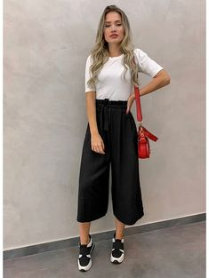 7 fashion pants for women that serve as anti-skinny jeans, ., - - 7 fashion pants for women that serve as anti-skinny jeans, Source by Fashion Pants, Look Fashion, Fashion Outfits, Womens Fashion, Anti Fashion, Fashion Group, Fashion Edgy, Aesthetic Fashion, Petite Fashion