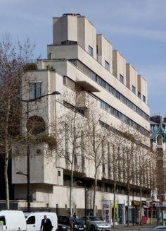 """Immeuble d'habitation """"Le Paquebot"""" (1934)  3, boulevard Victor Paris 75015 Architecte : Pierre Patout"""