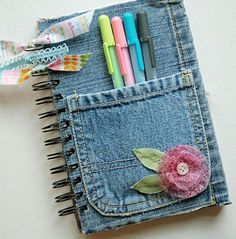 If all these reasons are enough for you, let us present to you these 23 insanely clever DIY denim projects made from old jeans. Jean Crafts, Denim Crafts, Diy And Crafts, Arts And Crafts, Crafts For Girls, Fabric Crafts, Sewing Crafts, Artisanats Denim, Denim Purse