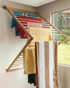 Did you want make a laundry room? Here we present 40 Stunning Laundry Room Design. Diy Furniture, Furniture Design, Laundry Rack, Laundry Drying, Diy Rangement, Clothes Drying Racks, Hanging Clothes Racks, Laundry Room Design, Küchen Design