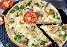 Tarta z boczkiem, serem i marynowanymi pieczarkami - DoradcaSmaku.pl Vegetable Pizza, Hamburger, Lunch, Snacks, Vegetables, Food, Pies, Appetizers, Eat Lunch