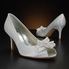 Shoes: Wedding shoes