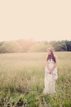 Vintage-Inspired Ethereal Bridal Shoot