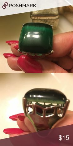Beautiful emerald square stone ring Simplicity at its best Jewelry Rings